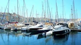 Γιοτ στη μαρίνα Vittoriosa, Μάλτα απόθεμα βίντεο