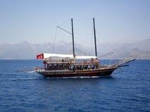Γιοτ τουριστών ευχαρίστησης στη Μεσόγειο Τουρκία στοκ εικόνες