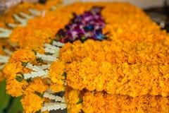 Γιρλάντες λουλουδιών για τη θρησκευτική τελετή του Βούδα Στοκ φωτογραφίες με δικαίωμα ελεύθερης χρήσης