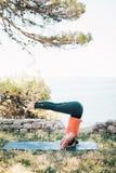 γιόγκα γυναικών άσκησης στοκ φωτογραφίες