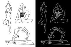 Γιόγκα (το κορίτσι εκτελεί μια άσκηση - asana) Στοκ Εικόνες