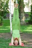 γιόγκα υπαίθρια άσκησης στοκ φωτογραφία με δικαίωμα ελεύθερης χρήσης