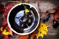 Γιόγκα Asana πιάτων κεραμικής Στοκ εικόνες με δικαίωμα ελεύθερης χρήσης