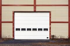 γκαράζ πορτών βιομηχανικό Στοκ εικόνα με δικαίωμα ελεύθερης χρήσης