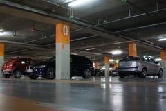 Γκαράζ χώρων στάθμευσης αερολιμένων Στοκ φωτογραφίες με δικαίωμα ελεύθερης χρήσης