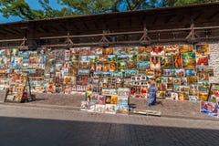 Γκαλερί τέχνης οδών - ελαιογραφίες - Κρακοβία (Κρακοβία) - ΠΟΛΩΝΙΑ Στοκ φωτογραφίες με δικαίωμα ελεύθερης χρήσης