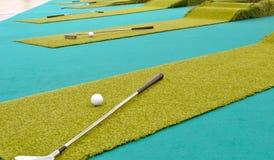 γκολφ μέσα εσωτερικό σε στοκ φωτογραφία