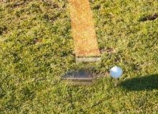 Γκολφ κλαμπ και σφαίρα στοκ φωτογραφίες με δικαίωμα ελεύθερης χρήσης
