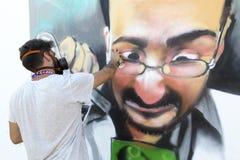 Γκράφιτι ζωγράφων κατά τη διάρκεια του φεστιβάλ Thess τέχνης οδών Στοκ εικόνα με δικαίωμα ελεύθερης χρήσης