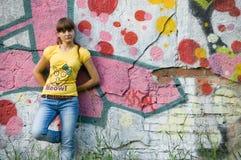 γκράφιτι κοριτσιών ανασκό&pi Στοκ Εικόνες