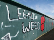 γκράφιτι σε μια γέφυρα Στοκ Εικόνες