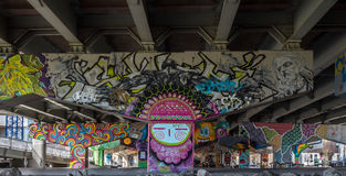 Γκράφιτι τέχνης γεφυρών στοκ φωτογραφίες με δικαίωμα ελεύθερης χρήσης