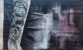 Γκράφιτι τέχνης οδών με την τέχνη abstrac μιας γυναίκας διανυσματική απεικόνιση