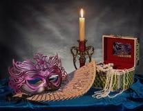 γκρίζα απομονωμένη μάσκα καρναβαλιού Στοκ Εικόνες