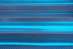 Γκρίζα μπλε σύσταση μετάλλων των βημάτων της σκάλας με το backlight Στοκ φωτογραφίες με δικαίωμα ελεύθερης χρήσης