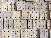 Γκρίζα τούβλα αργίλου που χρησιμοποιούνται για την κατασκευή Στοκ φωτογραφίες με δικαίωμα ελεύθερης χρήσης