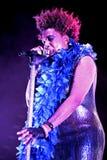 Γκρίζα (τραγουδιστής-τραγουδοποιός R&B και ψυχής, μουσικός, παραγωγός αρχείων, και ηθοποιός) ζωντανή απόδοση Macy στο φεστιβάλ Bi στοκ φωτογραφίες με δικαίωμα ελεύθερης χρήσης