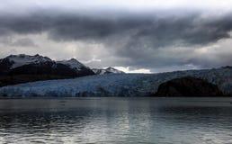 Γκρίζοι λίμνη και παγετώνας, Torres del Paine, Χιλή Στοκ Φωτογραφία