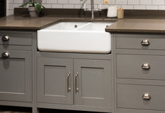 Γκρίζος νεροχύτης κουζινών Στοκ φωτογραφία με δικαίωμα ελεύθερης χρήσης