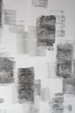 Γκρίζος τοίχος με τα μαύρα αφηρημένα σημεία Στοκ Εικόνες