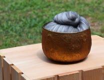 Γκρίζο διαφοροποιημένο μερινός μαλλί προβάτων Στοκ φωτογραφία με δικαίωμα ελεύθερης χρήσης