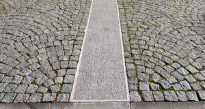 γκρίζο παλαιό πεζοδρόμιο Στοκ Φωτογραφία