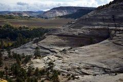 Γκρεμός στερεού βράχου στοκ φωτογραφία με δικαίωμα ελεύθερης χρήσης
