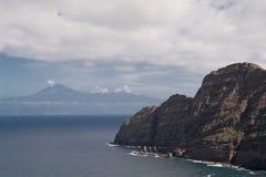 Γκρεμός των gomeras Ανατολική Ακτή με την άποψη tenerife στοκ φωτογραφίες με δικαίωμα ελεύθερης χρήσης