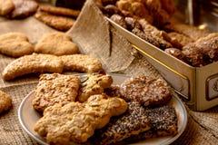 Γλυκά τραγανά μπισκότα του διαφορετικού γούστου στοκ φωτογραφία