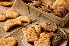 Γλυκά τραγανά μπισκότα του διαφορετικού γούστου στοκ φωτογραφίες με δικαίωμα ελεύθερης χρήσης