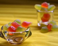 Γλυκά χρωματισμένα φασόλια βιομηχανιών ζαχαρωδών προϊόντων για τα παιδιά Στοκ Φωτογραφία