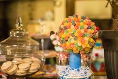 Γλυκές στιγμές χρονικής γιορτής γενεθλίων καραμελών στοκ εικόνες