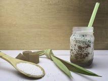 Γλυκαμένος σάγος με την καφετιά ζάχαρη Έννοια ανανέωσης στοκ φωτογραφίες