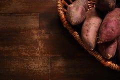 Γλυκιά πατάτα στο καλάθι Στοκ εικόνες με δικαίωμα ελεύθερης χρήσης