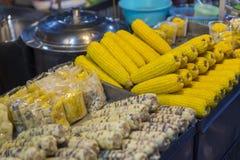 Γλυκό καλαμπόκι ρευμάτων στα τρόφιμα Ταϊλάνδη οδών νύχτας Στοκ φωτογραφίες με δικαίωμα ελεύθερης χρήσης