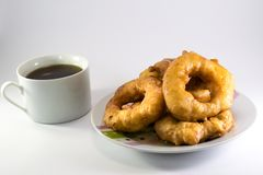 Γλυκό με τον καφέ στοκ φωτογραφία με δικαίωμα ελεύθερης χρήσης