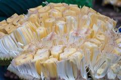 Γλυκό Artocarpus φρούτων γρύλων heterophyllus στο υπόβαθρο Στοκ φωτογραφίες με δικαίωμα ελεύθερης χρήσης