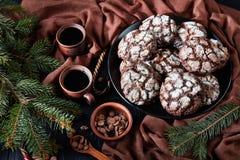 Γλυκό Crinkle σοκολάτας Χριστουγέννων μπισκότο, τοπ άποψη στοκ φωτογραφία με δικαίωμα ελεύθερης χρήσης