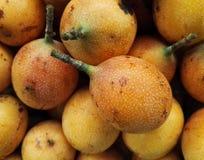 Γλυκό granadilla, εξωτικά, τροπικά Passiflora φρούτα προϊόντων ligularis στοκ εικόνες