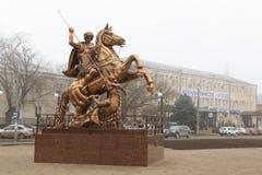 Γλυπτό του ST George στη πλατεία της πόλης στο κέντρο της πόλης Georgievsk στη Ρωσία Στοκ φωτογραφίες με δικαίωμα ελεύθερης χρήσης