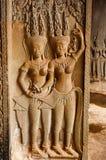 Γλυπτό των apsaras και του χαρασμένου στυλοβάτη το angkor Καμπότζη συγκεντρώνε Στοκ εικόνα με δικαίωμα ελεύθερης χρήσης