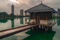 Γλυπτό χαλκού του Βούδα ναών της Σρι Λάνκα Colombo στοκ εικόνες με δικαίωμα ελεύθερης χρήσης