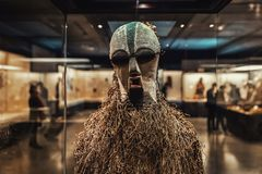 Γνήσια αφρικανική φωτογραφία κινηματογραφήσεων σε πρώτο πλάνο μασκών Στοκ φωτογραφία με δικαίωμα ελεύθερης χρήσης