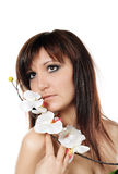 Γοητεία της γυναίκας με orchid Στοκ φωτογραφίες με δικαίωμα ελεύθερης χρήσης