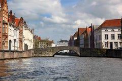 Γοητευτικά κτήρια και κανάλια της Μπρυζ Βέλγιο Στοκ Εικόνες