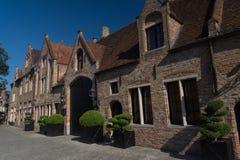 Γοητευτικά παλαιά σπίτια τούβλου στη Μπρυζ, Βέλγιο στοκ φωτογραφία