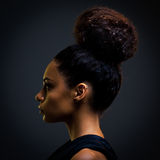 Γοητευτική αφρικανική γυναίκα Στοκ Φωτογραφία