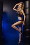 Γοητευτική curvy ξανθή γυναίκα Στοκ Φωτογραφίες