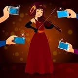 Γοητευτικός θηλυκός τραγουδιστής στο φόρεμα ελεύθερη απεικόνιση δικαιώματος