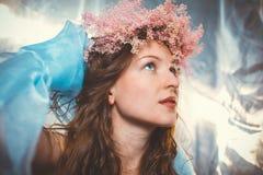 Γοητευτικός σε μια μπλε διάθεση Στοκ εικόνα με δικαίωμα ελεύθερης χρήσης